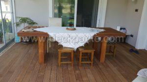 Kış bahçesinde Tik ağacı masa tabure